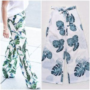 High Rise Tropical Leaf Print Wide Leg Pants   S